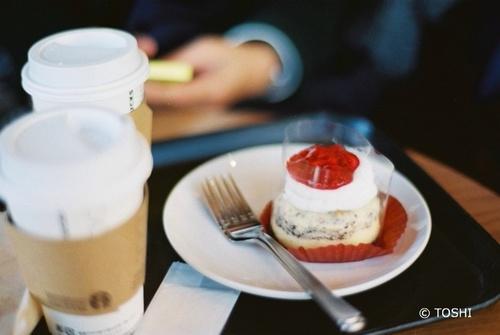 FH000037_499ストロベリー&クッキーチーズケーキ.jpg